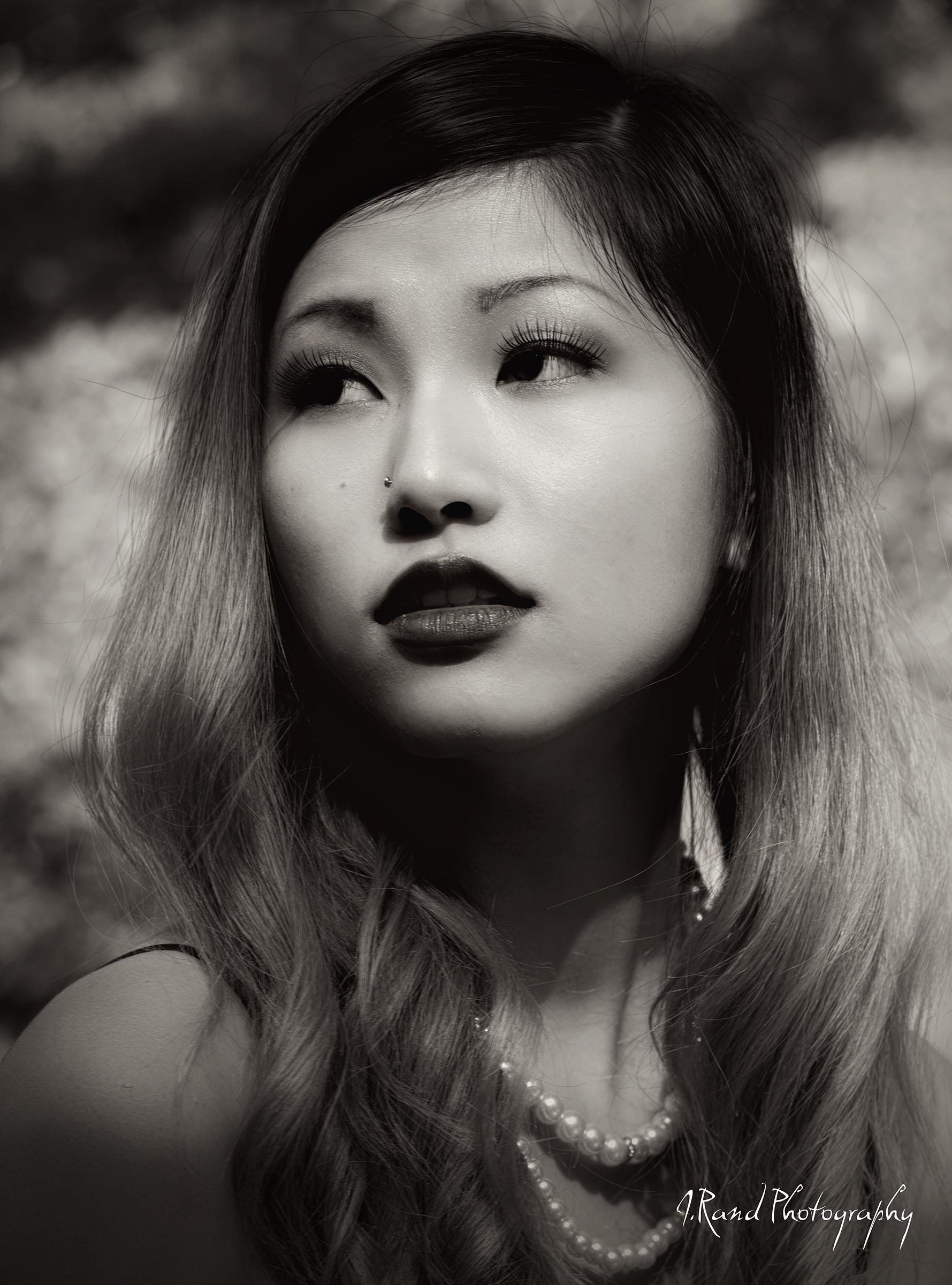 IG Kelseyluo Vancouver musician/model